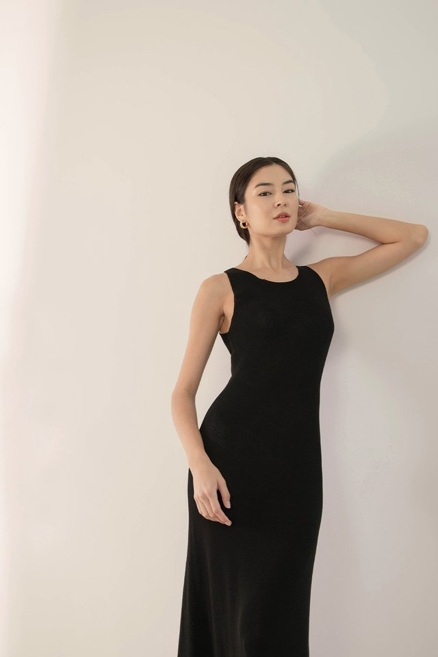 THEA RIBBED KNIT DRESS BLACK